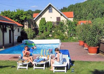 Entspannen am Pool des Lindleshofs